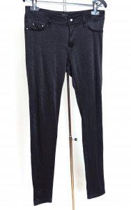 Pantaloni marime M