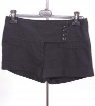 Pantaloni scurti marime 38