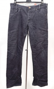 Pantaloni Camargue marime W 33-34
