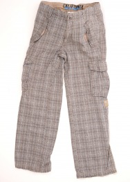 Pantaloni Yigga 9 ani