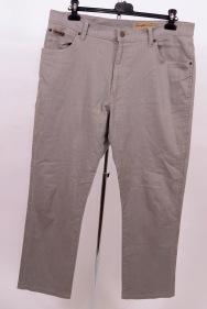 Pantaloni Wrangler marime L-XL