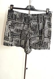 Pantaloni scurti Matalan marime 38