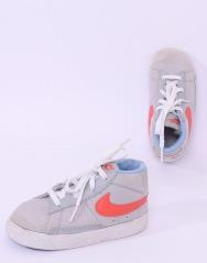 Pantofi Nike Marimea 25