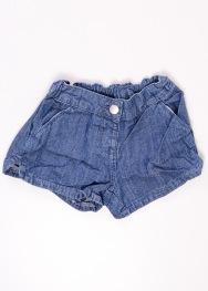 Pantaloni scurti C&A 8 ani